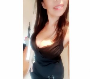 Azemia shemale escorts in Florham Park