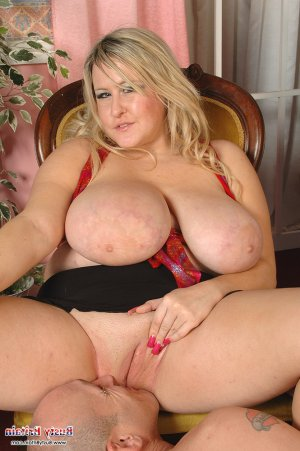 Linsey submissive escorts in Keizer